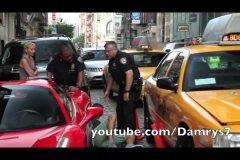 Ferrari 458 atropella a un policía