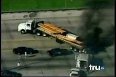 Increíble persecución policial en camión, estilo GTA