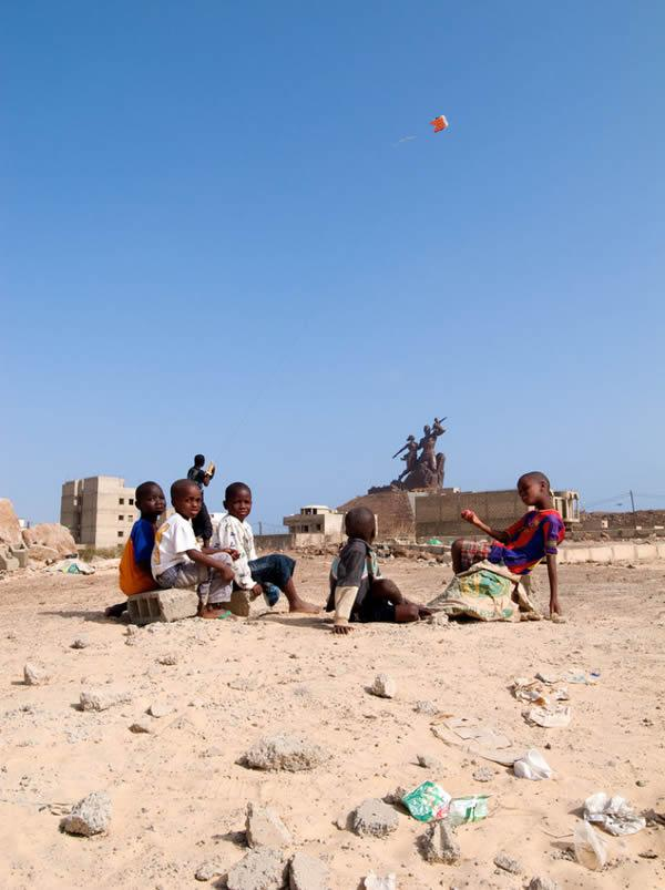 Monumento renacimiento africano ¿simbolo de locura o grandeza? (5)