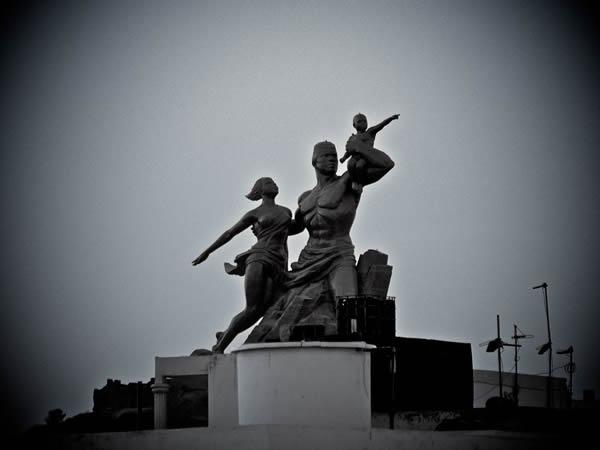 Monumento renacimiento africano ¿simbolo de locura o grandeza? (1)