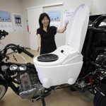 Moto-inodoro: funciona con excremento humano