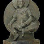 Antigua estatua budista hecha de meteorito