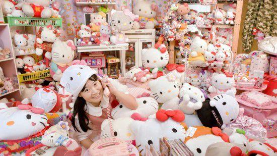 Asako Kanda Hello Kitty (3)