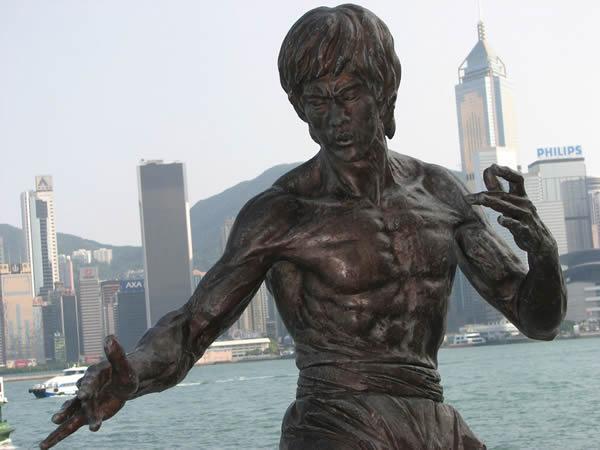 Estatua Bruce Lee (2)