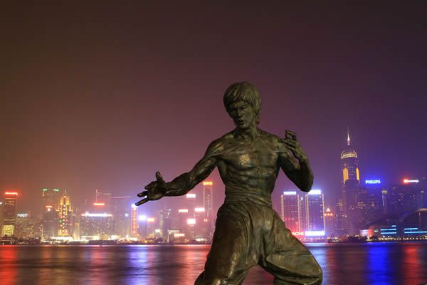 Estatua Bruce Lee (5)