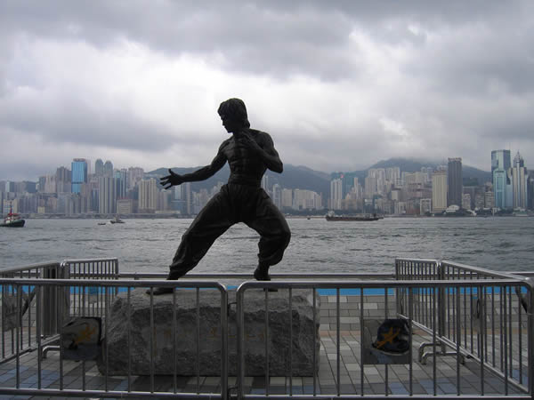 Estatua Bruce Lee (4)