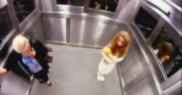 broma fantasma elevador