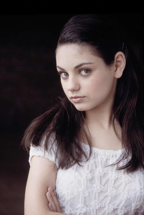 Mila Kunis hermosa sin maquillaje (3)
