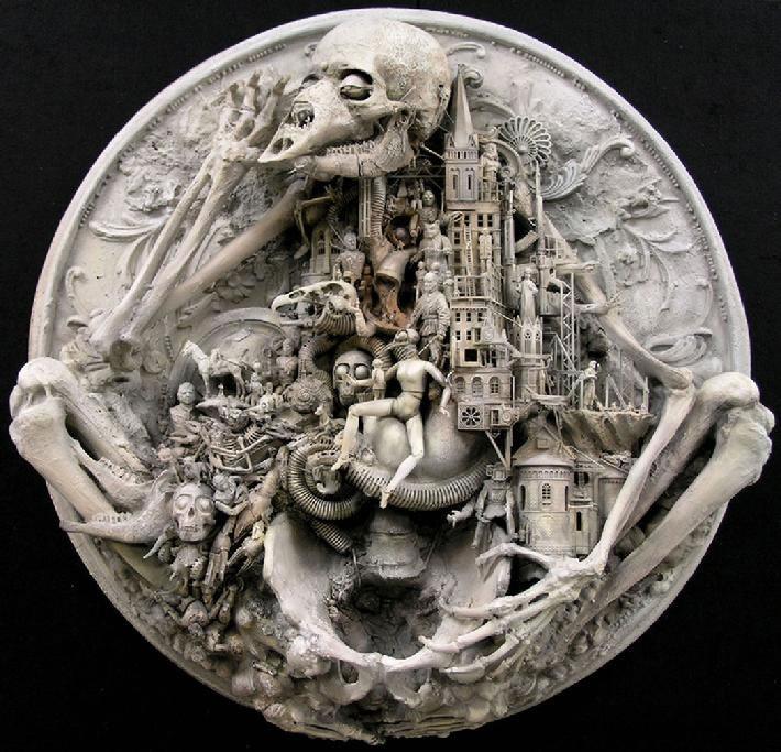 Esculturas Kris Kuksi (19)