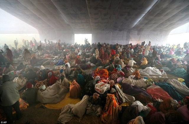 Maha Kumbh Mela peregrinacion 2013 (21)