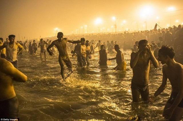 Maha Kumbh Mela peregrinacion 2013 (18)