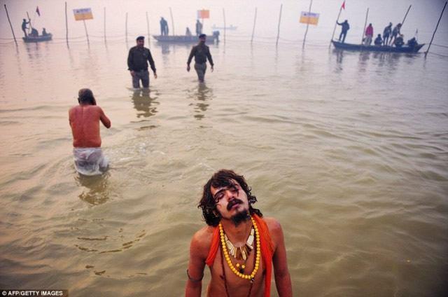 Maha Kumbh Mela peregrinacion 2013 (16)