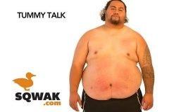 Percusiones sobre un hombre gordo