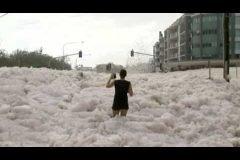 Tsunami de espuma en Australia
