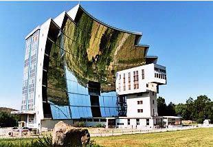 Horno solar de Odeillo, Francia