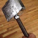 El martillo de Thor pesaría 300 mil millones de elefantes