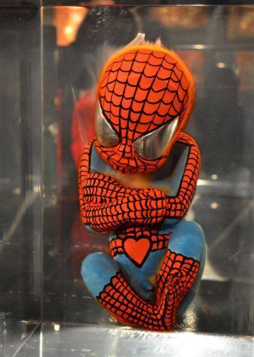 Superheroes embrionarios de Alexandre Nicolas (4)