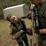 Entrenamiento militar de supervivencia para niños