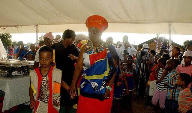 Niño de 8 años se casa con anciana de 61 (5)
