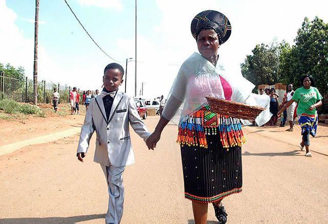 Niño de 8 años se casa con anciana de 61 (4)