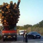 Vehículos sobrecargados en China