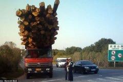 Vehículos sobrecargados en China (9)