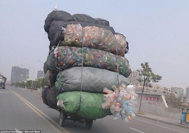 Vehículos sobrecargados en China (7)