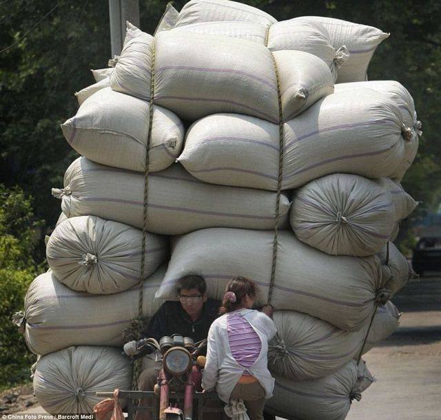 Vehículos sobrecargados en China (4)