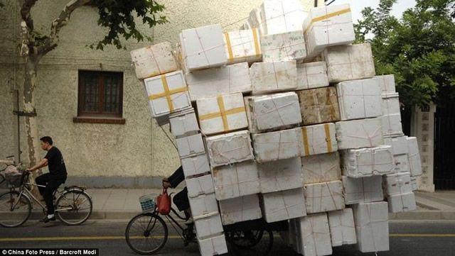 Vehículos sobrecargados en China (19)