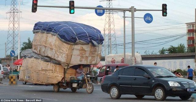 Vehículos sobrecargados en China (16)