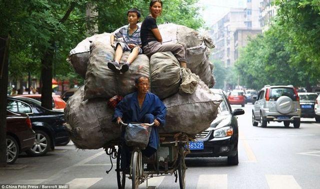 Vehículos sobrecargados en China (14)