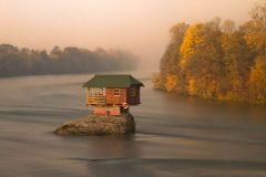 Casa río Drina Serbia (7)