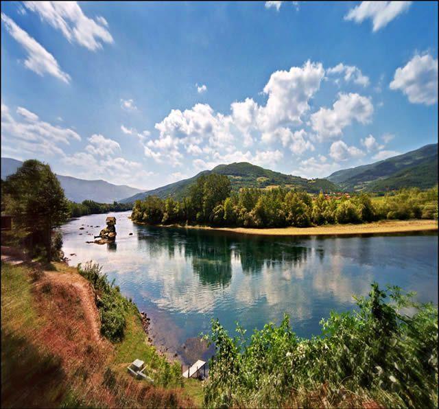 Casa río Drina Serbia (4)