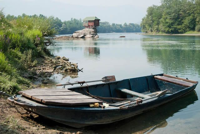 Casa río Drina Serbia (3)