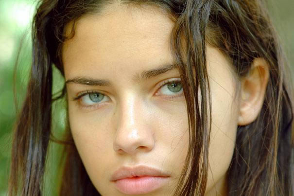 Adriana Lima sin maquillaje