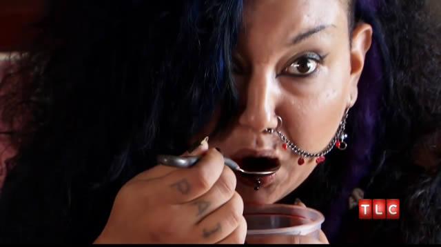 Michelle, una mujer adicta a la sangre