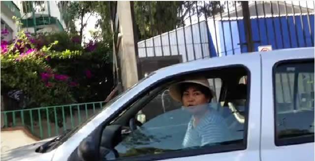 Mujer intenta abandonar un perro en Xochimilco