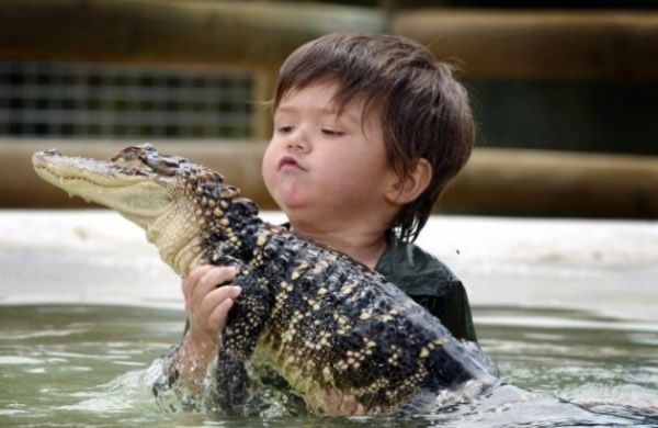 Charlie Parker niño cocodrilos (5)