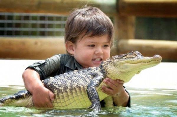 Charlie Parker niño cocodrilos (4)