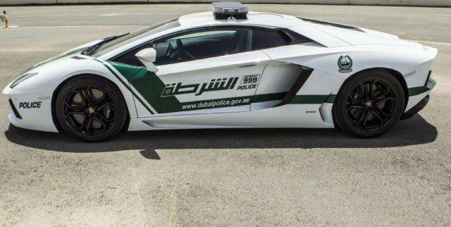 Policía de Dubai Lamborghini Aventador (4)