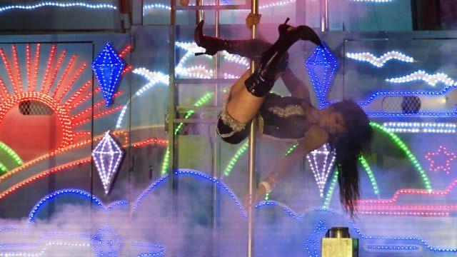 strippers fúnebres pole dance taiwan