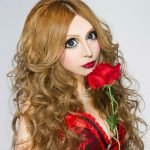 Japonesa se transforma en muñeca tras 30 cirugías