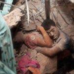 El último abrazo, la foto icono del derrumbe en Bangladesh