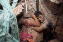 ultimo abrazo foto Bangladesh