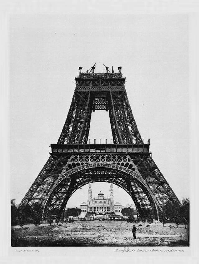 monumentos turísticos en construcción (13)