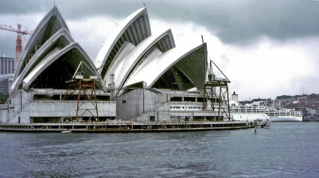 monumentos turísticos en construcción (31)