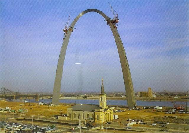 monumentos turísticos en construcción (44)