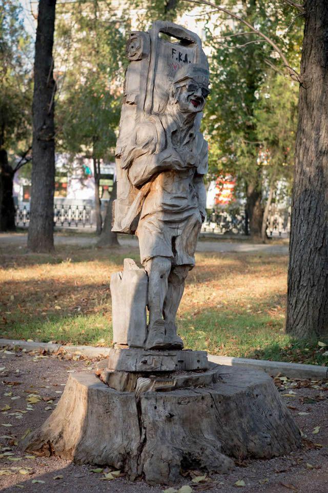 esculturas madera igor dzheknavarov (17)