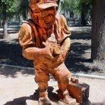 Misteriosas esculturas de madera a partir de árboles muertos