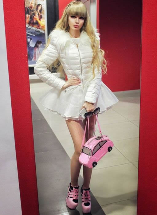 Angelika Kenova Barbie Vida Real (7)